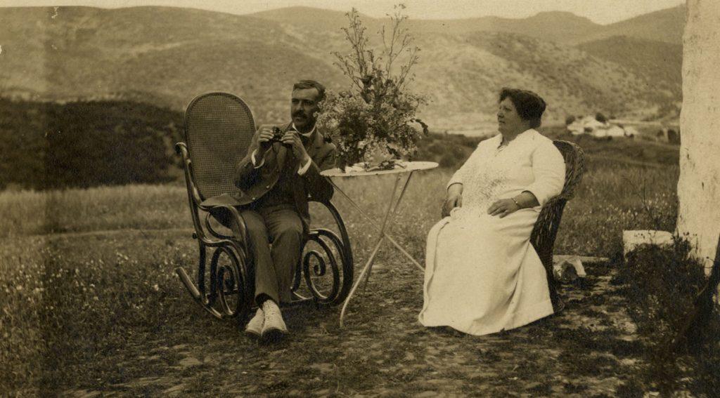 El Obreo y su mujer, María de Padilla (ca. 1915)